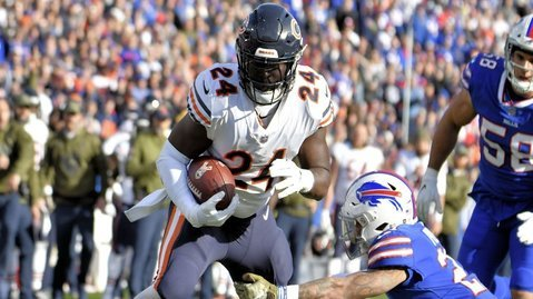 Running back Jordan Howard spurred the Chicago Bears on with two rushing scores. (Photo Credit: Mark Konezny-USA TODAY Sports)