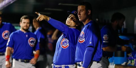 Gonzalez giving Rizzo pointers (Isaiah Downing - USA Today Sports)