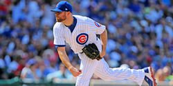 Wade Davis signs record-breaking contract with NL team