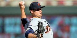It's official: Cubs trade with Tigers to bolster bullpen