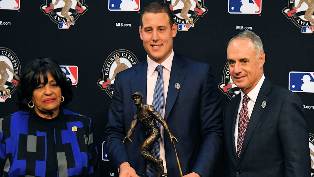 Rizzo was named 2017 Roberto Clemente Award winner for his charitable efforts