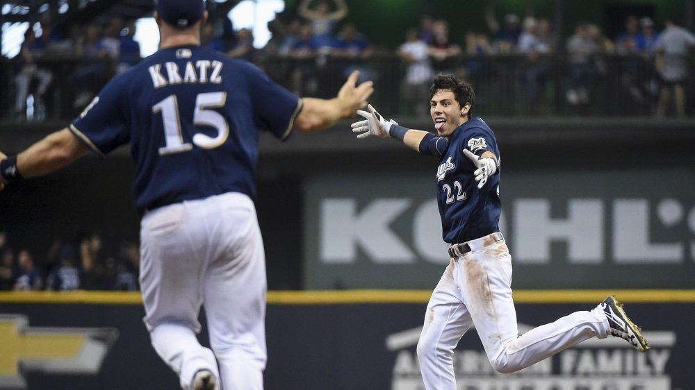 Christian Yelich won the game for the Brewers by beating out a throw at first base on a fielder's choice groundout. (Photo Credit: Benny Sieu-USA TODAY Sports)