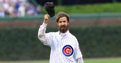 LOOK: Alligator catcher, members of 1969 Cubs throw out first pitches
