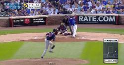 WATCH: Willson Contreras stays hot against Braves, smacks 2-run double