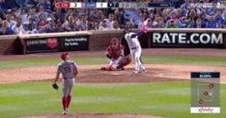 WATCH: Willson Contreras smacks clutch game-tying home run