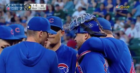 Anthony Rizzo made Willson Contreras his snuggle buddy during a mound visit.