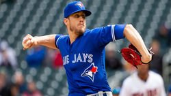 Cubs reportedly interested in Blue Jays closer