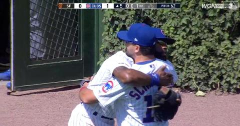 Chicago Cubs outfielders Jason Heyward and Kyle Schwarber hugged it out after working through miscommunication issues.