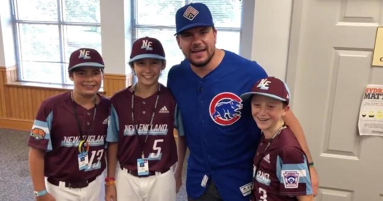 Midwesterner Kyle Schwarber showed off his surprisingly good Boston accent when delivering a message to Jon Lester.
