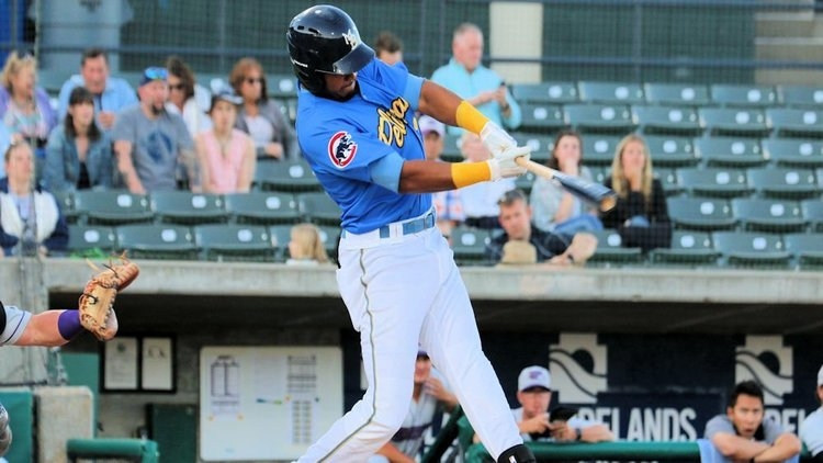 Kevonte Mitchell at the plate for the Smokies (Photo credit: Larry Kave)