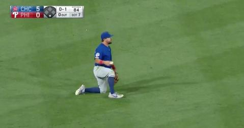 Chicago Cubs left fielder Kyle Schwarber went all out for a diving catch and did not come up empty-handed.