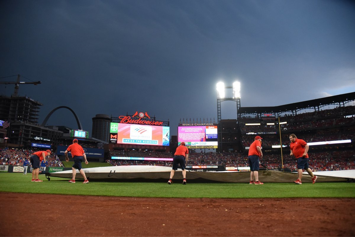 Weather delay in Cubs-Cardinals game | CubsHQ