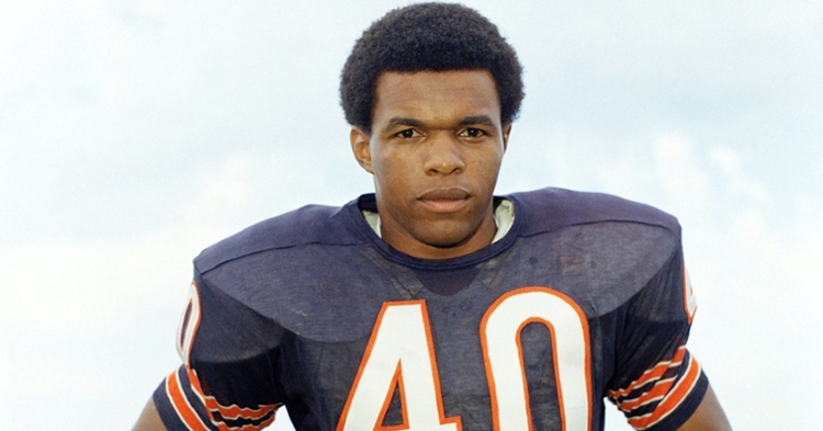 Gale Sayers has passed away at the age of 77 (Photo credit: NFL)