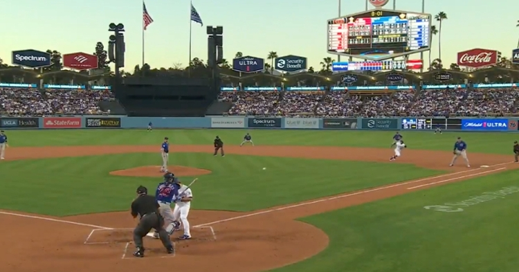With the Cubs leading the Dodgers 1-0 in the third inning, Willson Contreras picked off Mookie Betts at first base.