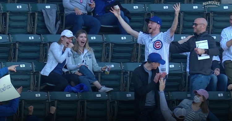 A Cubs fan made an awesome catch in the seats, snagging a foul ball hit by Joc Pederson.