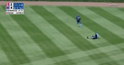 WATCH: Jason Heyward goes all out, makes difficult catch in right field