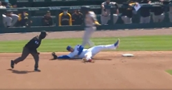 WATCH: Anthony Rizzo does split, makes athletic play at first base