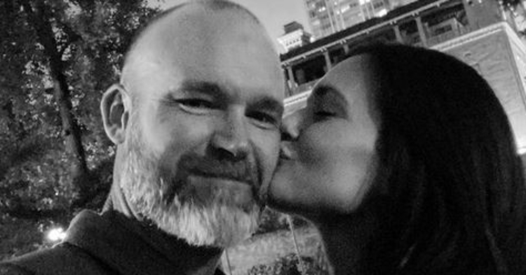 Cubs manager David Ross and television star Torrey DeVitto have made their relationship official. (Credit: @torreydevitto on Instagram)