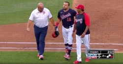WATCH: Kyle Schwarber removed from game after suffering apparent hamstring injury