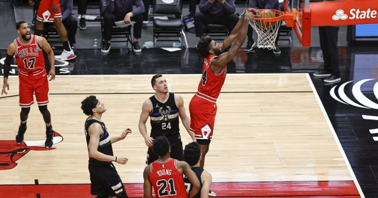 Williams with the dunk against the Bucks (USA Today Sports)