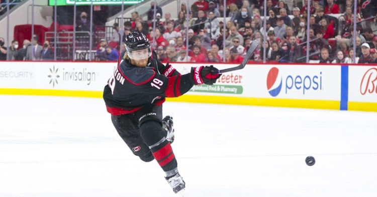 Hamilton would be a nice fit for the Blackhawks (James Guillory - USA Today Sports)