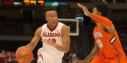Mitchell scores 18 to lead Clemson over Alabama