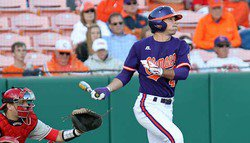Bulldogs Score Six Runs in Fifth Inning to Rally For 8-7 Win Over Clemson