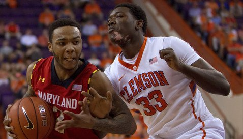 Josh Smith guards a Maryland defender early in the game. <span style=