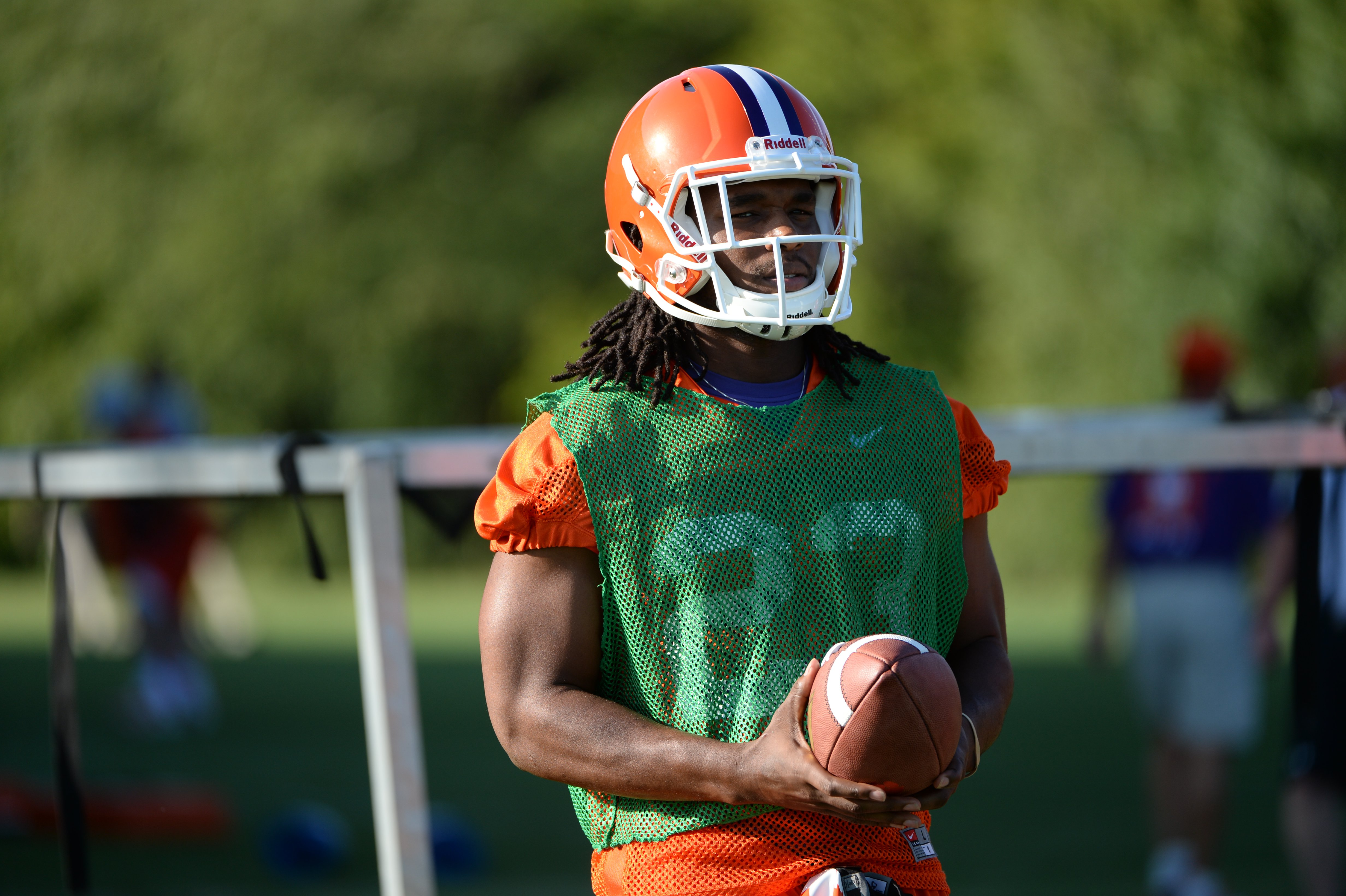 Tyshon Dye is no longer wearing the green jersey and will practice this week