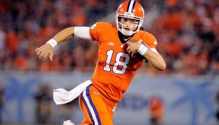Stoudt had a career night against the Sooners (Photo by Joshua S. Kelly)