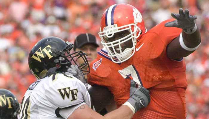 Groover helped anchor a defense that was the top 25 in the nation in six different categories, including 11th in scoring defense in 2005.