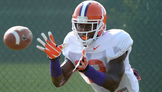 Defense dominates early with two pick-sixes in Saturday scrimmage