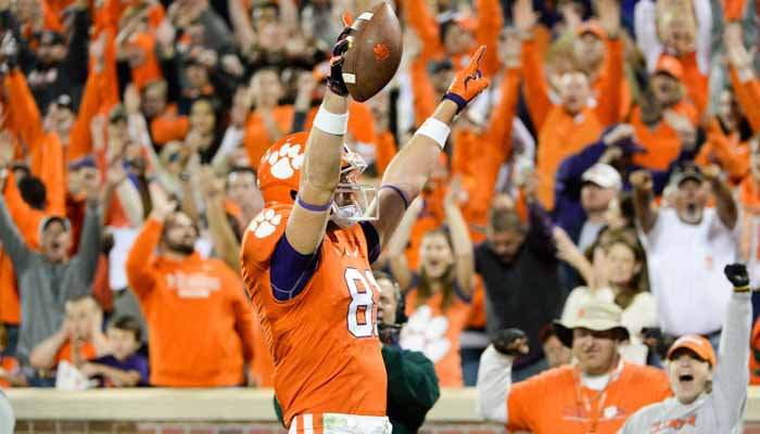 Stanton Seckinger celebrates a touchdown against Syracuse.