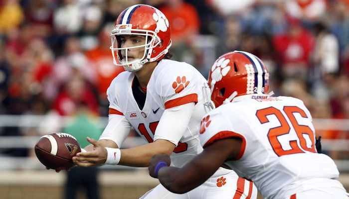 Stoudt hands off to Adam Choice in the first half