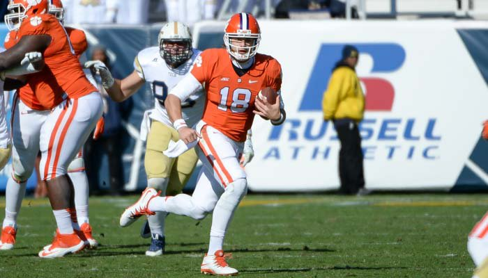 Stoudt was 3-11 for 19 yards with 3 Ints on Saturday.