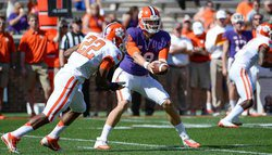 Stoudt, Barnes lead White team to a 24-5 victory in Clemson Spring Game