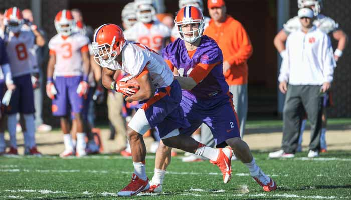 Cole Stoudt running the first team offense at Wednesday's practice. (TigerNet Staff)