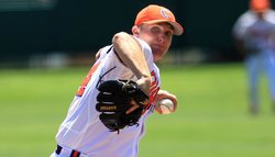 Clemson edges Eagles for Leggett's 950th win