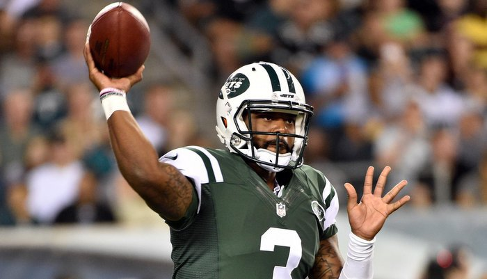 Tajh Boyd throws a pass for the Jets during the preseason (Photo by Derik Hamilton)