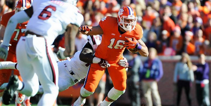 Leggett says Clemson's younger players have to experience the rivalry for themselves