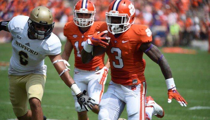 Artavis Scott scores Clemson's third touchdown