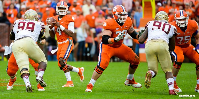 Band of Brothers: Offensive line has Watson's back