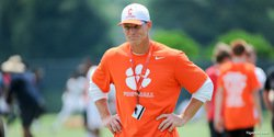 Venables says Gamecocks don't need the kitchen sink to beat Tigers
