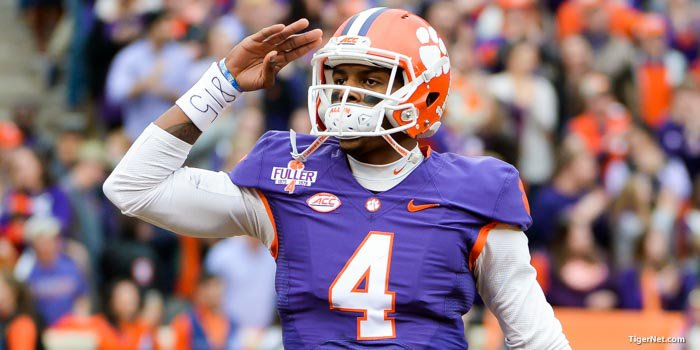 Deshaun Watson salutes the crowd on Saturday.