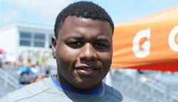 5-star DT commits to Clemson
