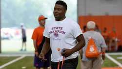 4-star OL commits to Clemson