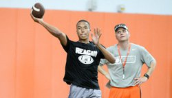 Quarterback competition ends with offer, Swinney shows his wide receiver roots