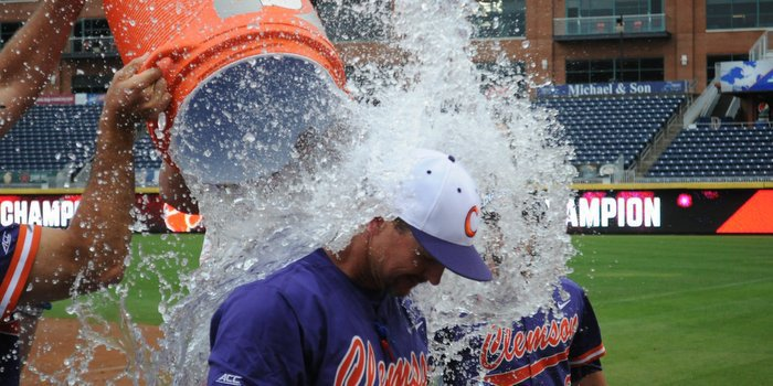Lee gets doused by his players Sunday