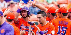 Lightning strikes: Tigers beat third-ranked FSU 10-3