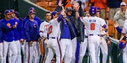 Clemson drops Hose in winning eighth straight